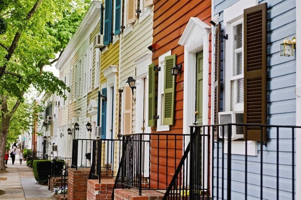 Difference between townhouse and condos