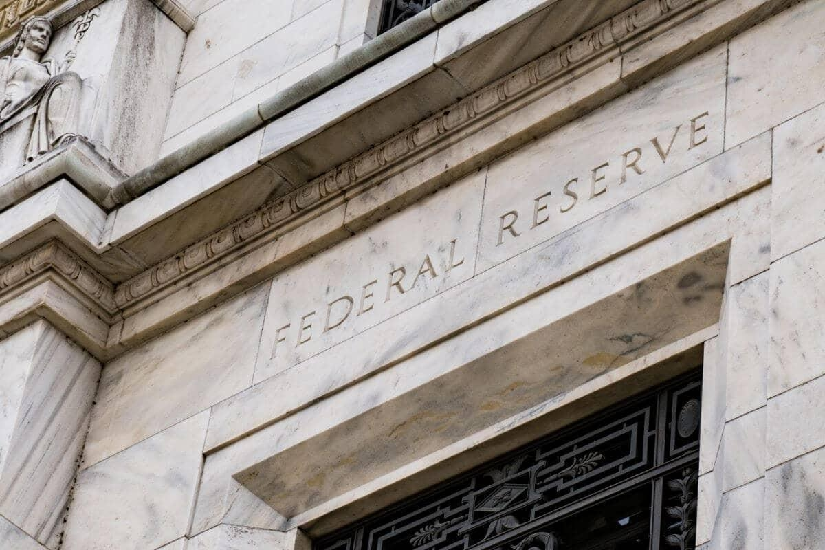 How does the Federal Reserve impact mortgage rates?
