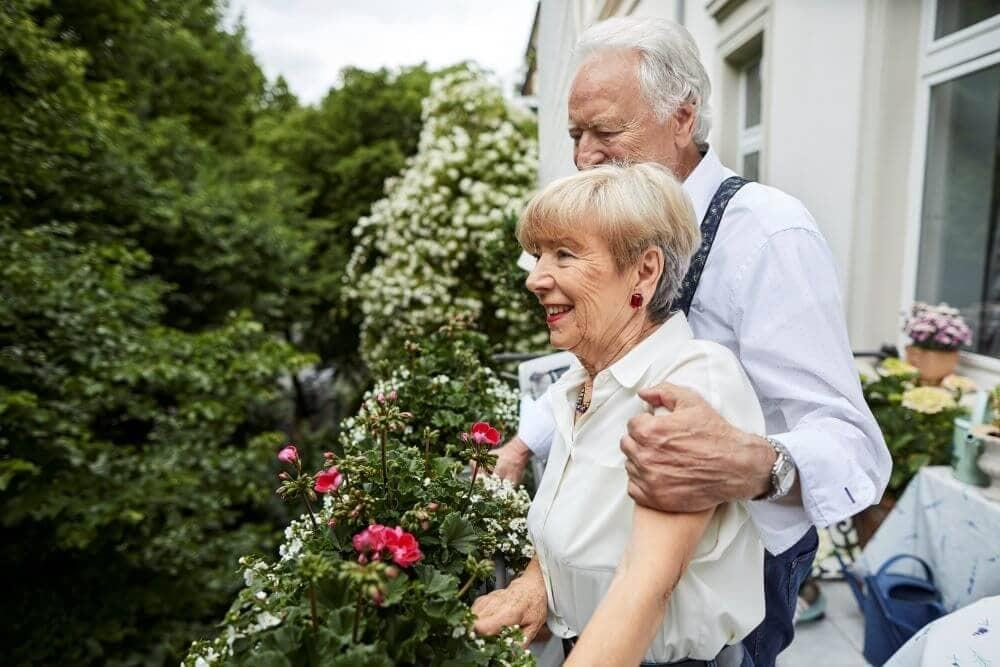 Joint tenants with right of survivorship vs. tenants in common